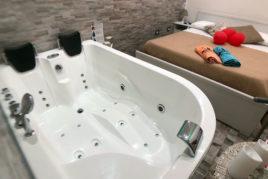 Camera con vasca idromassaggio - a partire da € 90