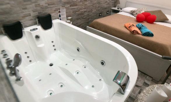 Camera con Jacuzzi vasca idromassaggio