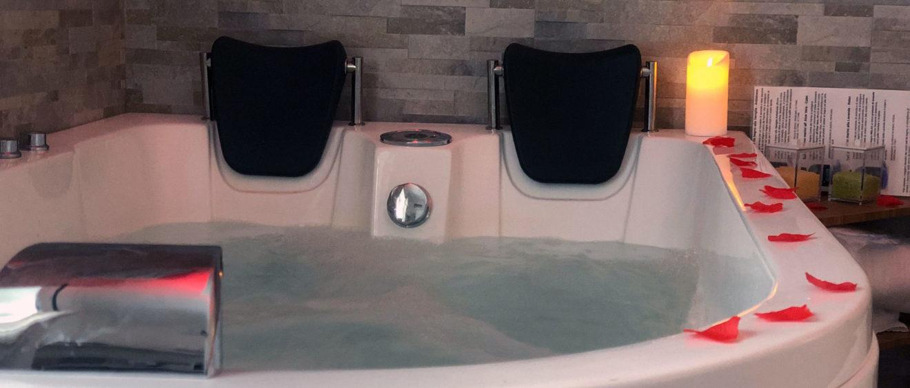 Camera con vasca idromassaggio 2 ore
