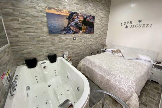 Camera con vasca idromassaggio - a partire da € 80