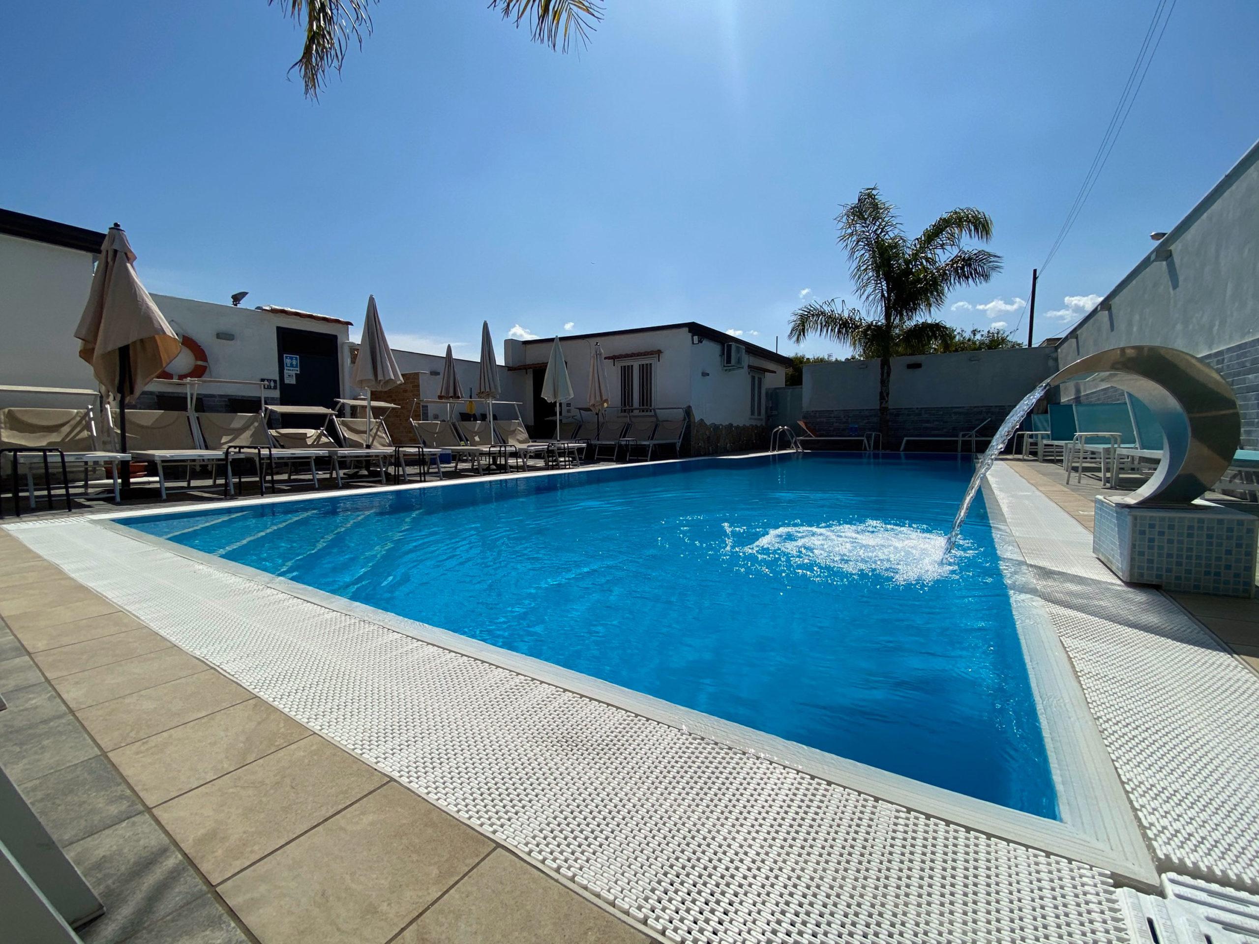 Piscine Sfioro A Cascata relax in piscina pompei, la tua estate al sole ! prenota subito